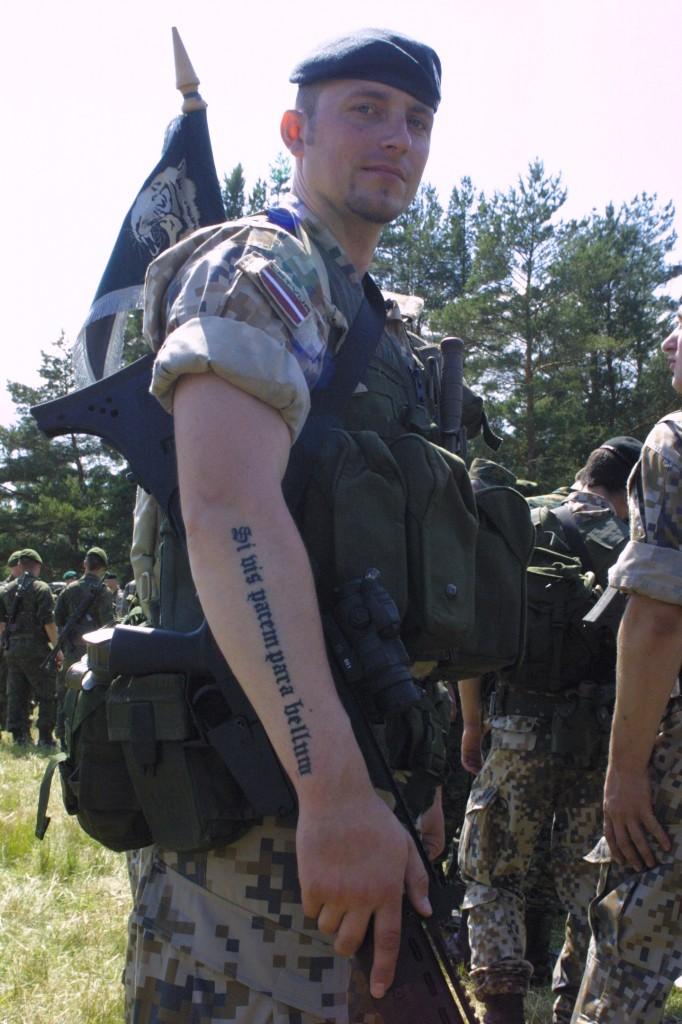 тату si vis pacem para bellum tattoo
