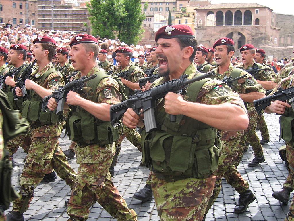 Итальянские десантники полка карабинеров