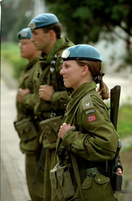 military_woman_norway_army