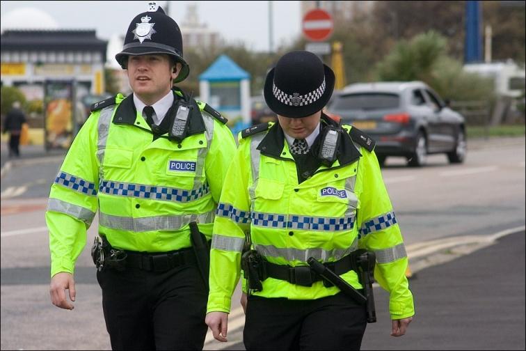 шлем британской полиции