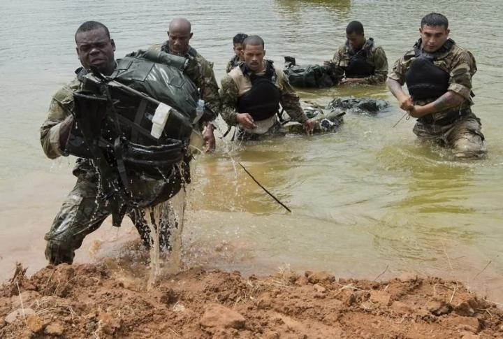 Солдаты специальных сил армии Белиза