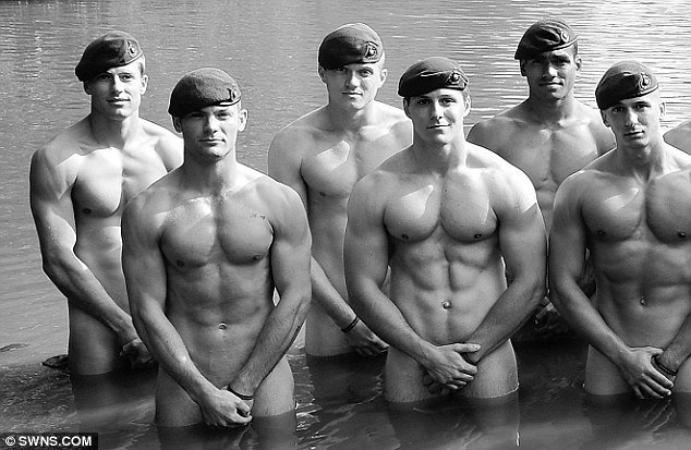календарь Royal Marines