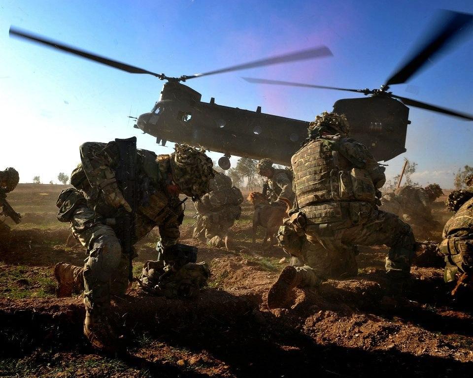британские морские пехотинцы из 40 Commando Royal Marines