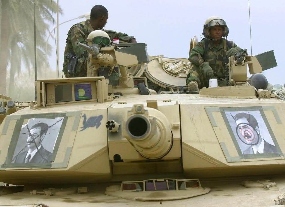 Танк М1А1 в Багдаде 28 апреля 2003