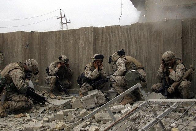 во время боев в Фаллудже. Ирак, ноябрь 2004
