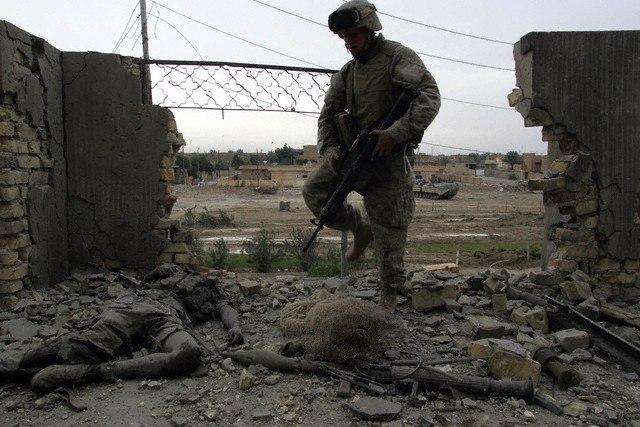 1-й батальон 3-го полка КМП США во время боев в Фаллудже. Ирак, ноябрь 2004.