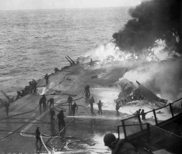 USS_Saratoga_Kamikaze_hit_21_February_1945