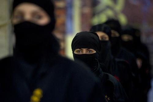 iranian_ninja_girls-3