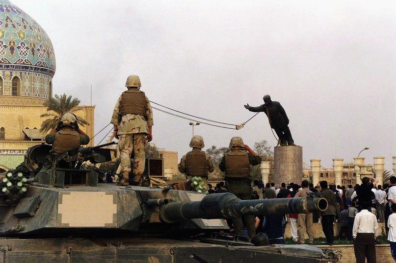 снос статуи Саддама