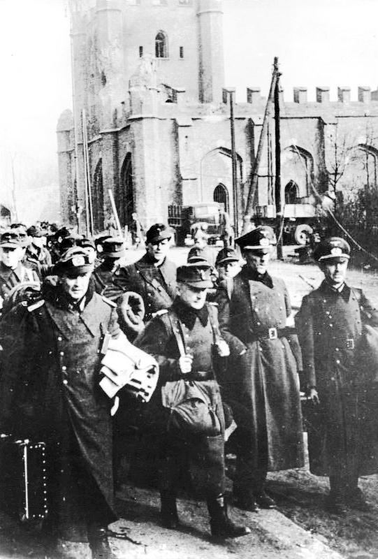 Königsberg_gefangene_deutsche_Offiziere