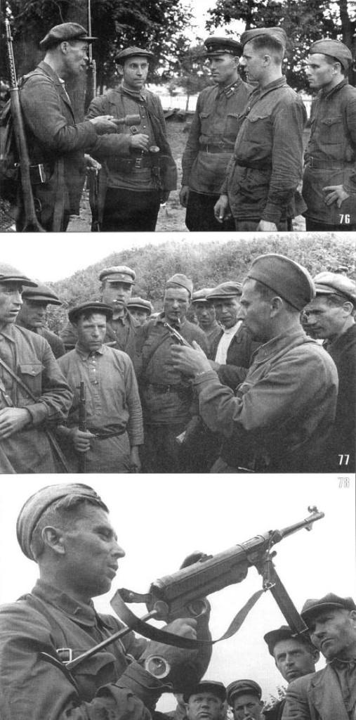 Бойцы обучают будущих партизан обращению с оружием, в том числе трофейным