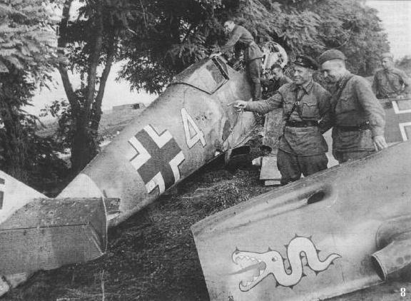 Bf-109 оберфельдфебеля Хайнца Шмидта сбит 20 июля.