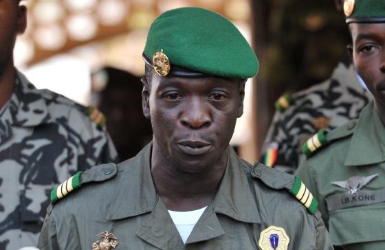 Лидер военной хунты Мали капитан Амаду Саного