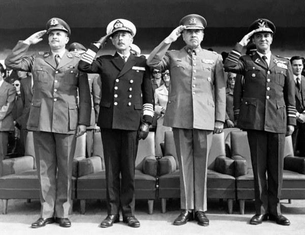 3_Comandantes_Fuerzas_Chilenas_+_General_de_Carabineros
