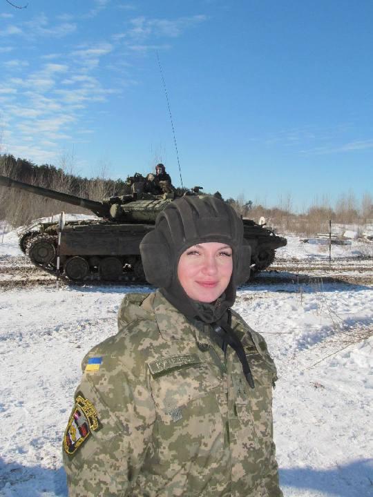 devushka-tankisti005