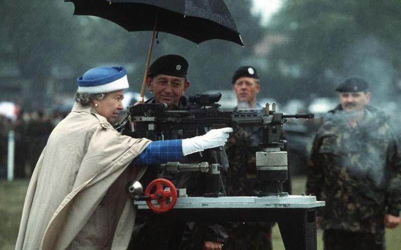 Queen-Elizabeth-II-2