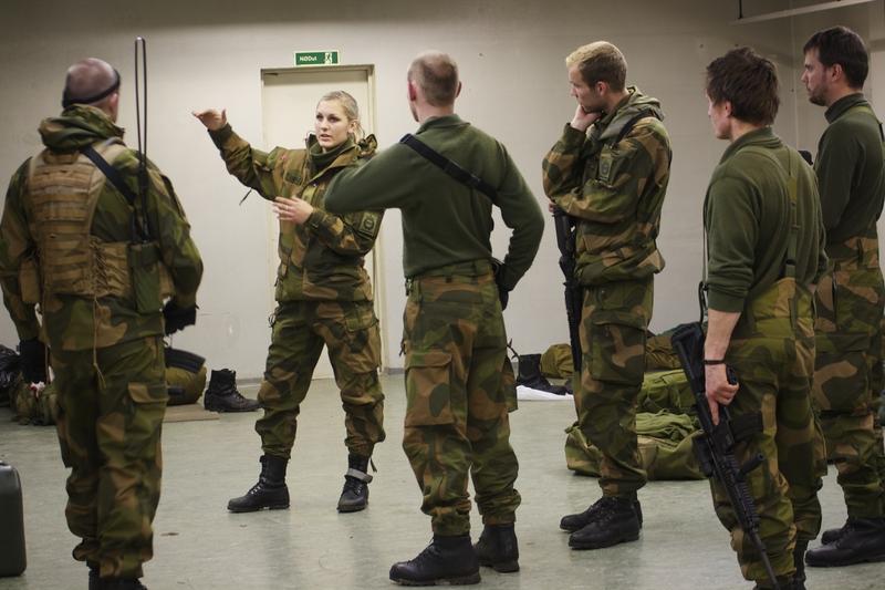 Skromnoe-obayanie-norvezhskojj-armii10