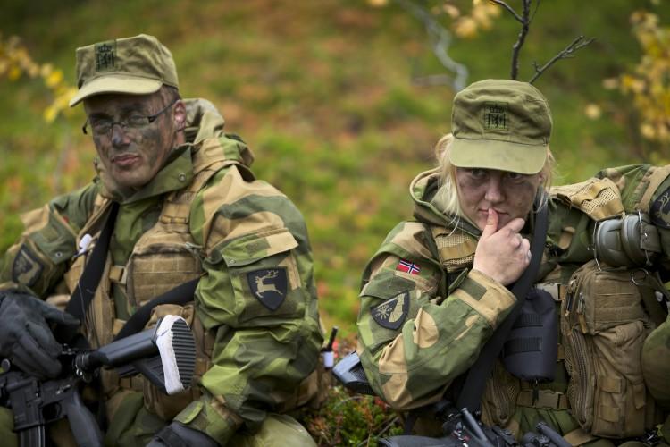 Skromnoe-obayanie-norvezhskojj-armii11
