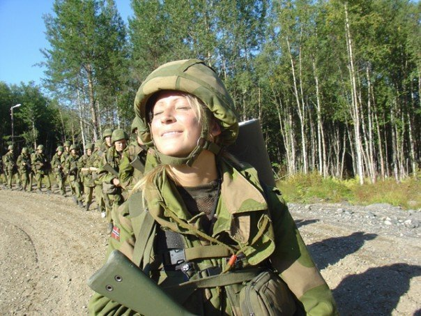 Skromnoe-obayanie-norvezhskojj-armii12
