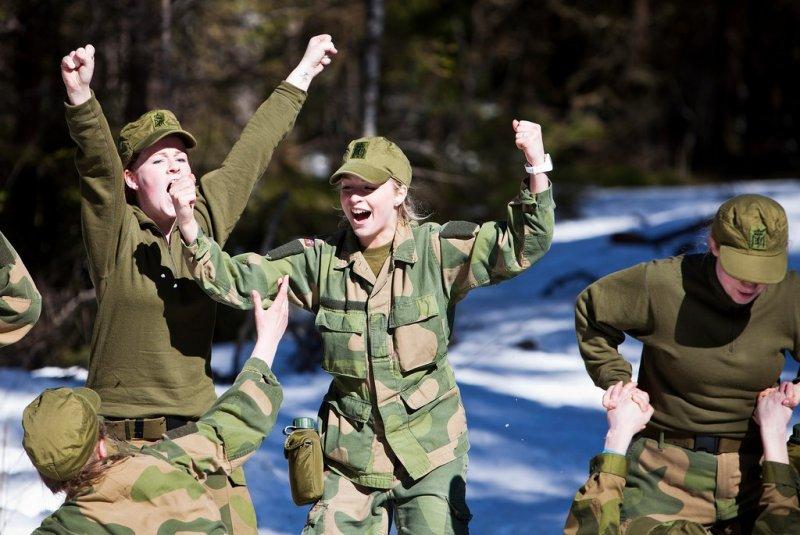 Skromnoe-obayanie-norvezhskojj-armii14