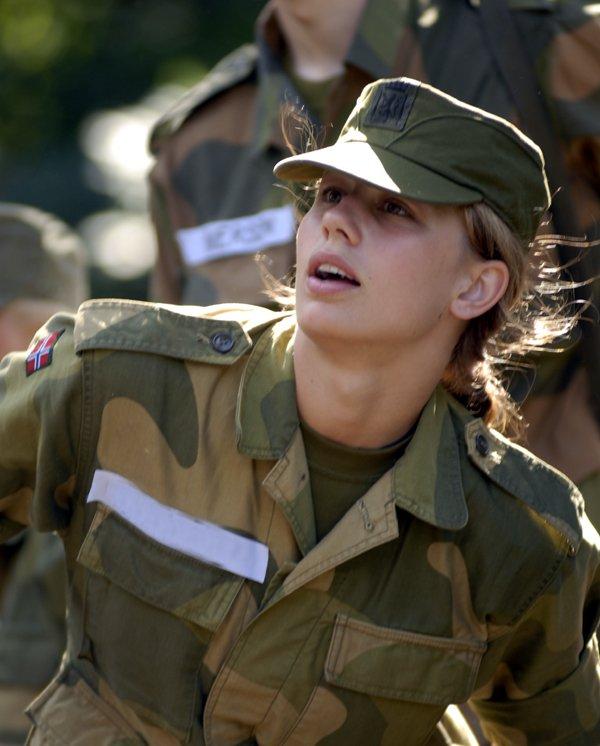 Skromnoe-obayanie-norvezhskojj-armii16