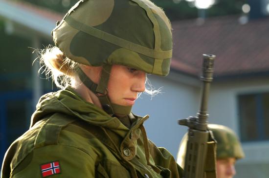 Skromnoe-obayanie-norvezhskojj-armii19
