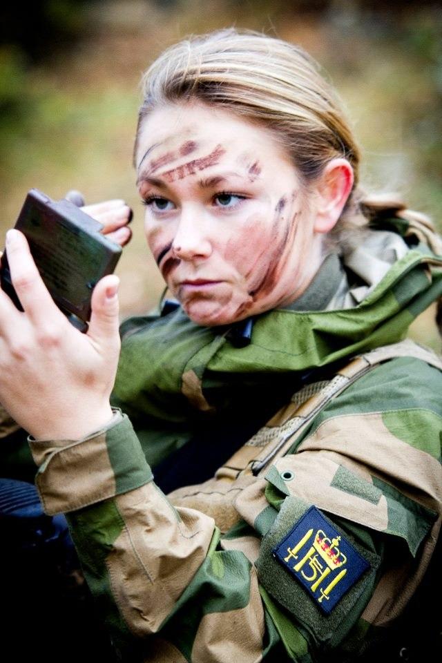 Skromnoe-obayanie-norvezhskojj-armii25