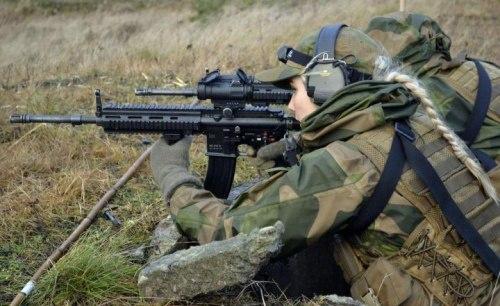 Skromnoe-obayanie-norvezhskojj-armii27