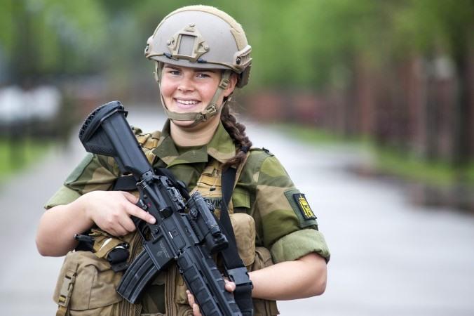 Skromnoe-obayanie-norvezhskojj-armii29