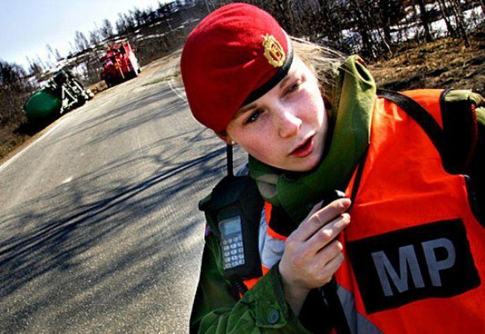 Skromnoe-obayanie-norvezhskojj-armii31