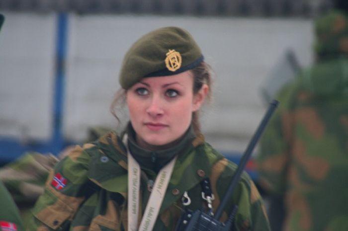 Skromnoe-obayanie-norvezhskojj-armii32