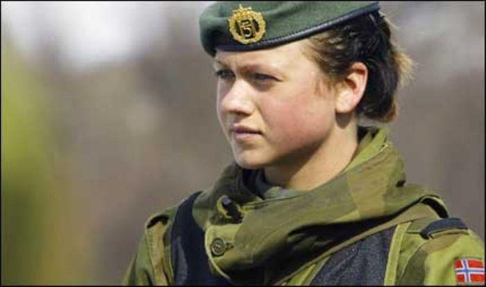 Skromnoe-obayanie-norvezhskojj-armii33