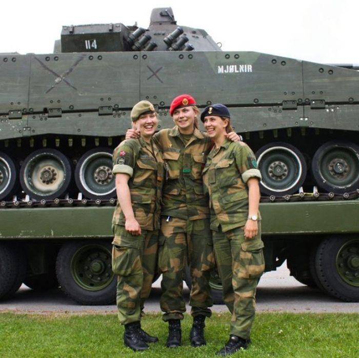 Skromnoe-obayanie-norvezhskojj-armii34