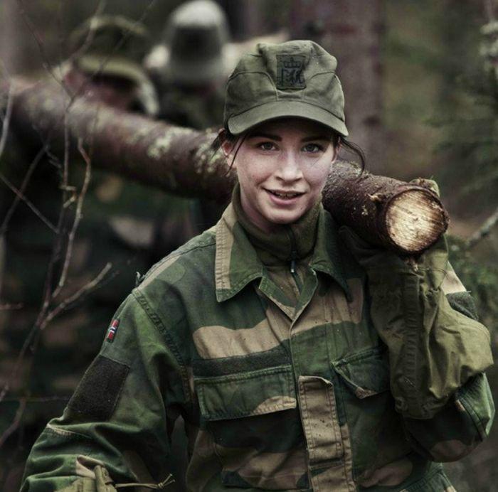 Skromnoe-obayanie-norvezhskojj-armii35