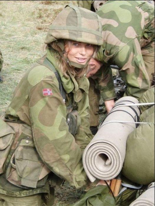 Skromnoe-obayanie-norvezhskojj-armii36