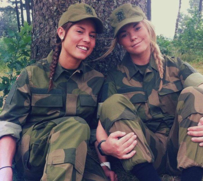 Skromnoe-obayanie-norvezhskojj-armii38