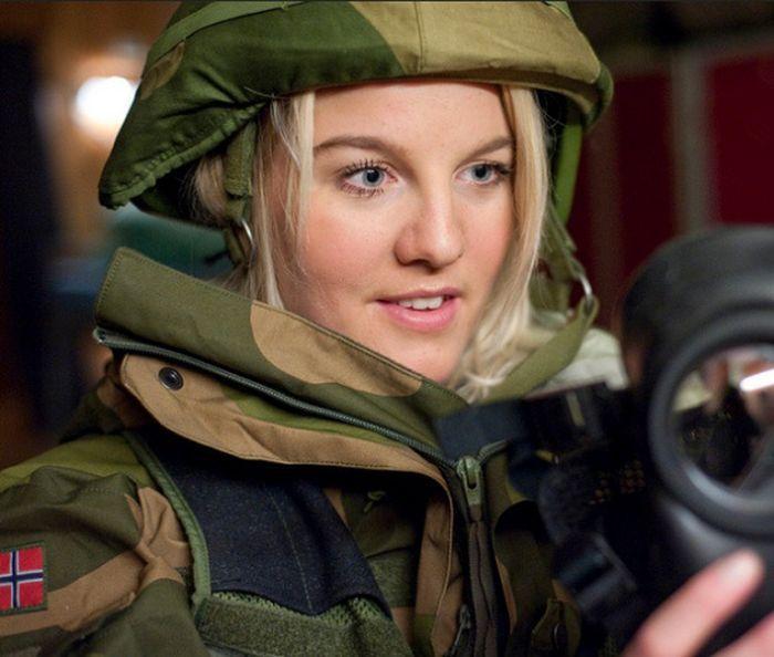Skromnoe-obayanie-norvezhskojj-armii41