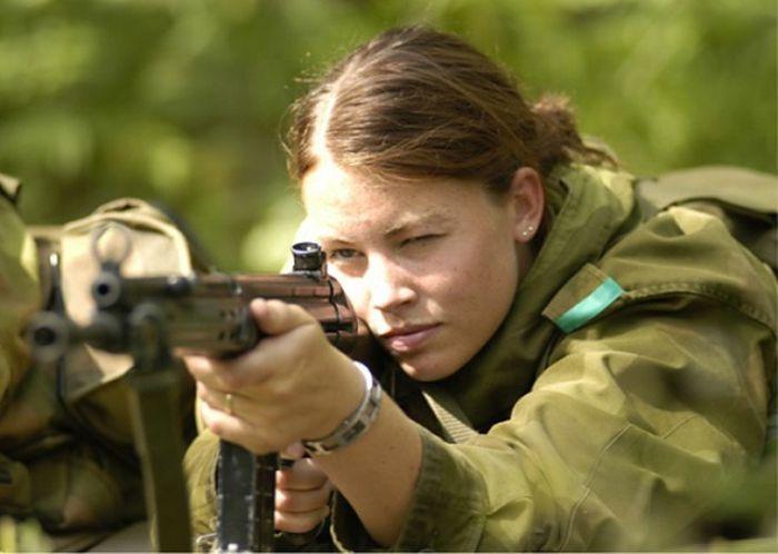 Skromnoe-obayanie-norvezhskojj-armii42