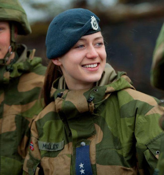 Skromnoe-obayanie-norvezhskojj-armii43