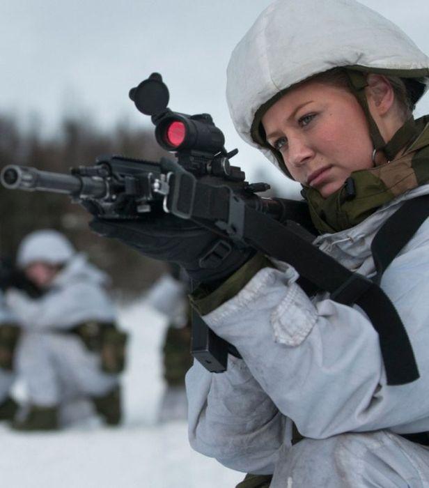 Skromnoe-obayanie-norvezhskojj-armii44
