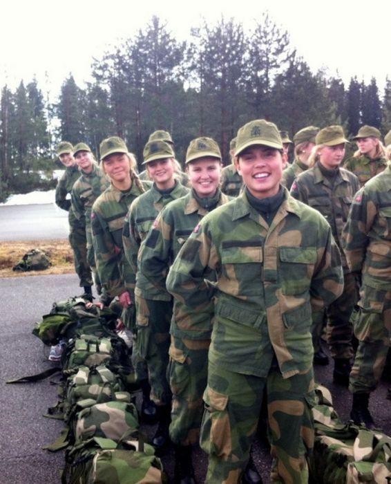 Skromnoe-obayanie-norvezhskojj-armii47