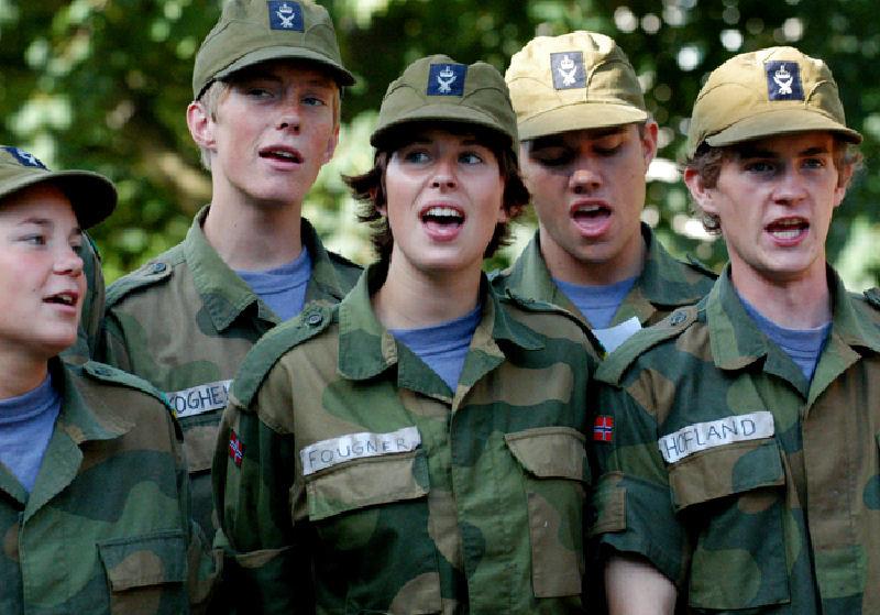 Skromnoe-obayanie-norvezhskojj-armii56