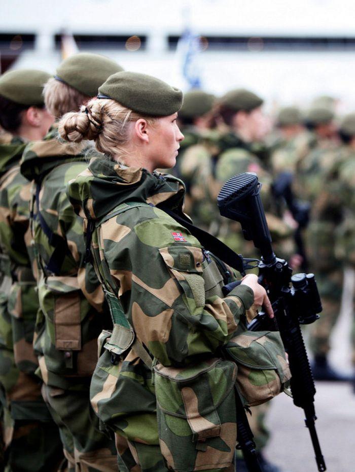 Skromnoe-obayanie-norvezhskojj-armii7