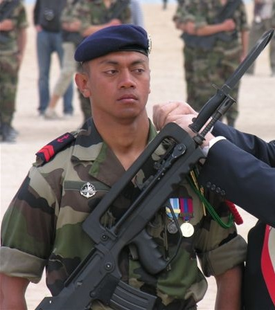 Fusilier_marin_remise_des_fourragere_le_06_juin_2009.jpg
