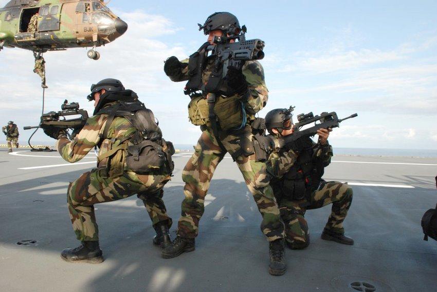 Тренировка французских Marine Commandos.