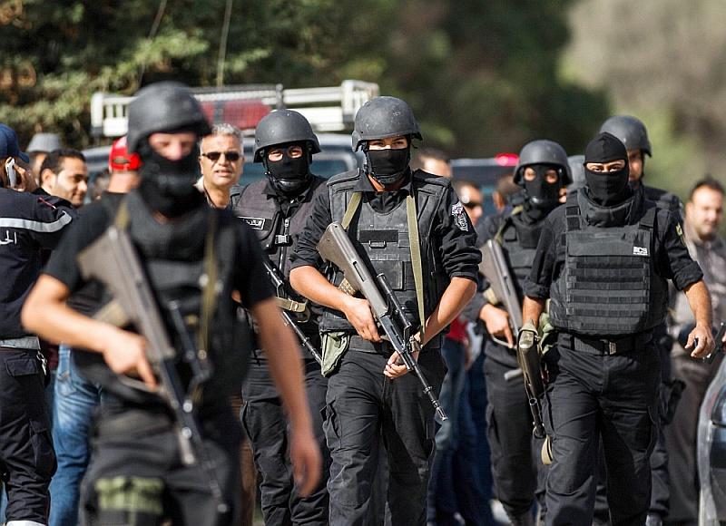 Представители Национальной гвардии Туниса