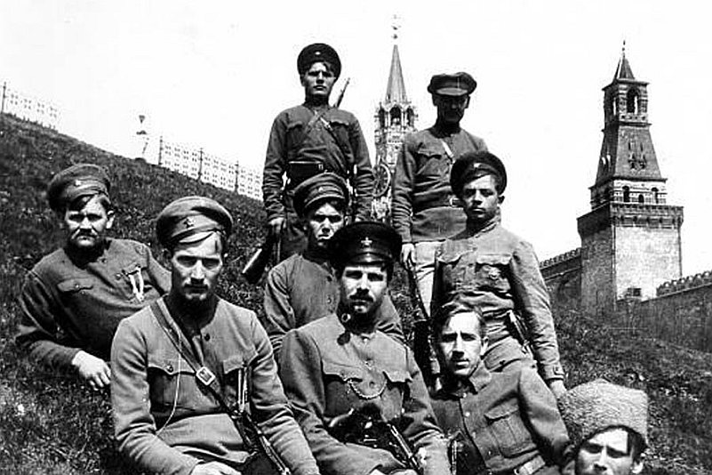 Герои войны и революции или демоны террора