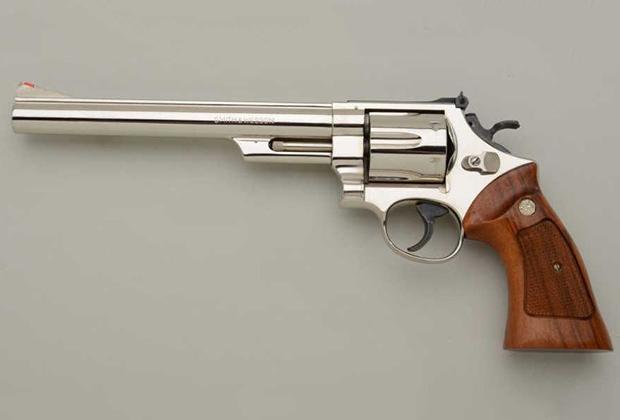 7 самых мощных револьверов и пистолетов