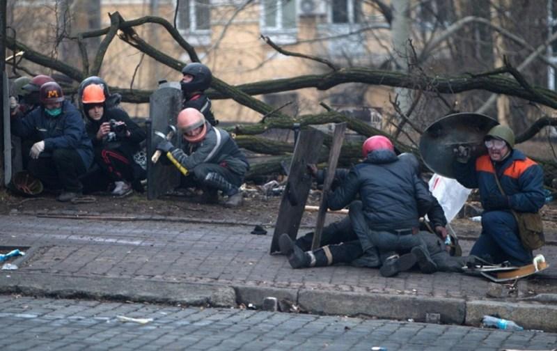 20-fevralya-epicentr-strelby