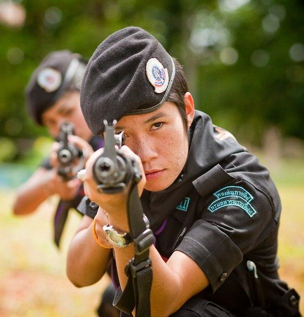 Девушки Королевской армии Таиланда